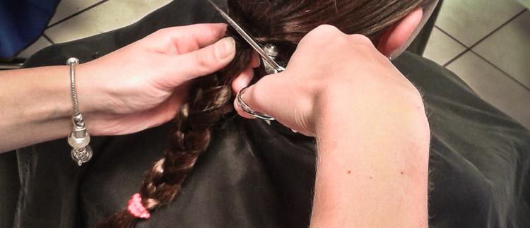Nienke doneert haar haar